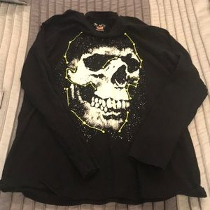 ⭐️4 for 10.00⭐️ skull long sleeve t-shirt